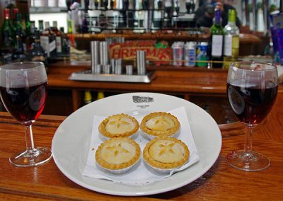 Mince pies and mulled wine, the perfect antidote to Xmas